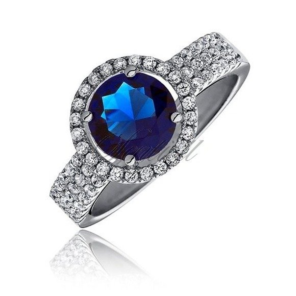 Beautiful Silver (925) ring with sapphire zirconia