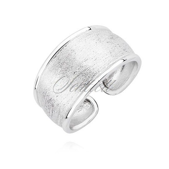 Silver (925) ring with diamond-cut surface