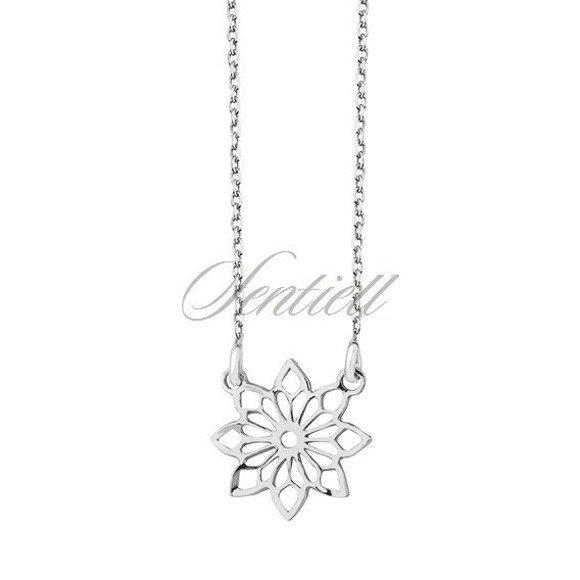 Naszyjnik srebrny z ażurową zawieszką kwiatkiem