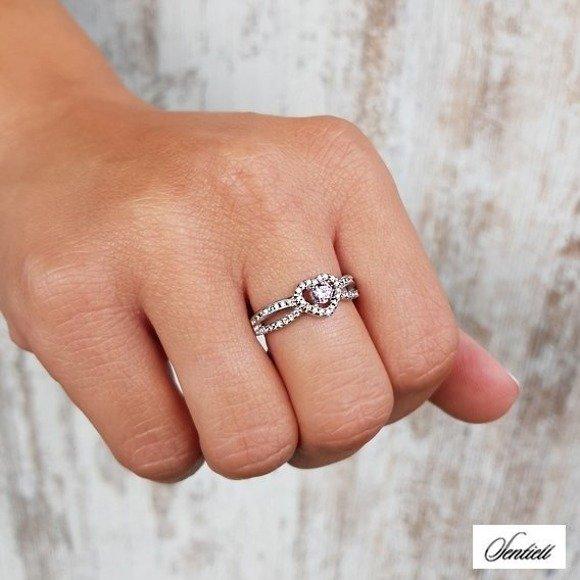 Srebrny pierścionek pr.925 serduszko z różową cyrkonią